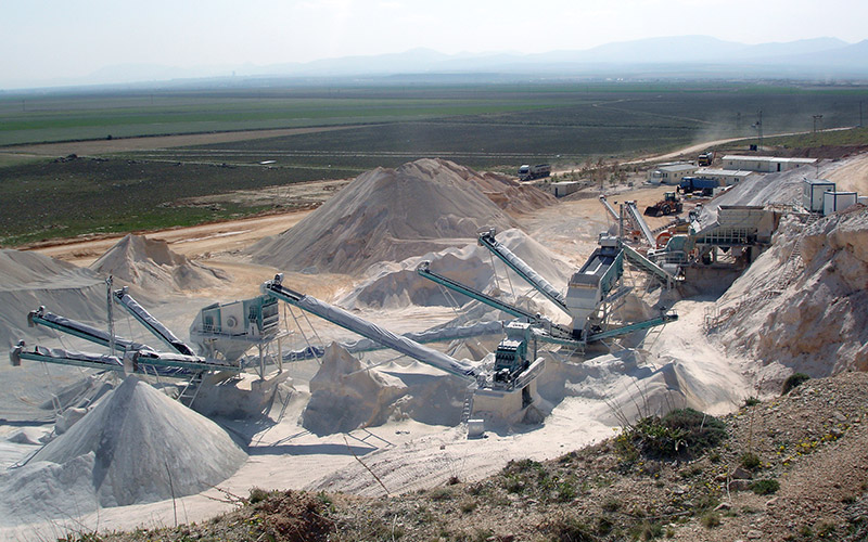 the design of crushing plant with Crushing plant design and layout considerations1 crushing plant design and layout considerations ken boyd, manager, material handling, amec mining & metals , vancouver, bc abstract in mining operations, the layout.